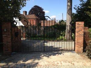 metal gates buckinghamshire