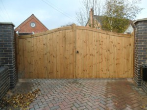 wooden gates buckinghamshire